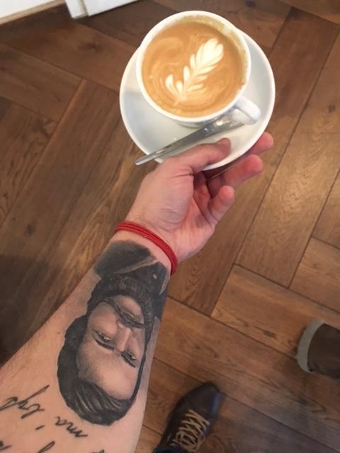 Výlet do Viedne kaviareň a tetovanie
