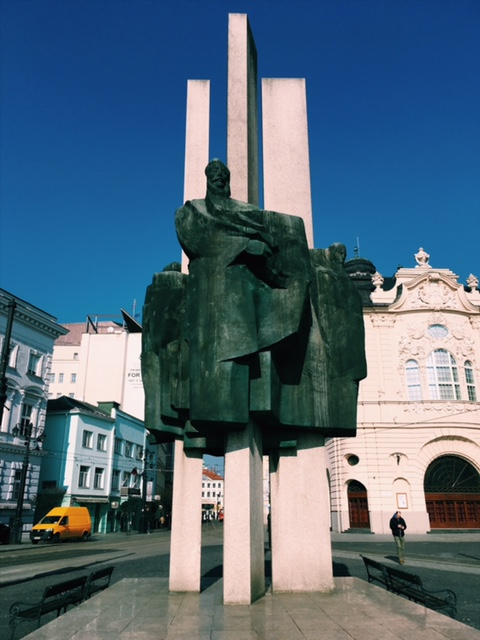 Potulky v Bratislave - Staré mesto Socha štúrovcov
