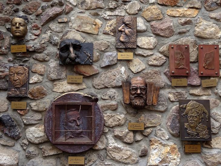 Čo vidieť v Kremnici - Ulička slávnych nosov