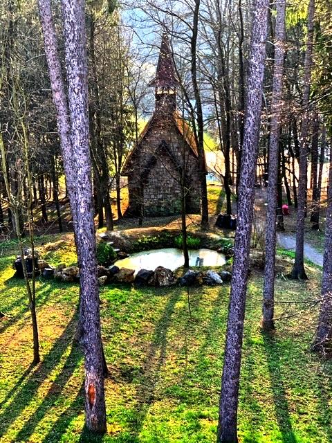 Čo vidieť v okolí Banskej Štiavnice - KaplnkaPanny Márie Kráľovnej
